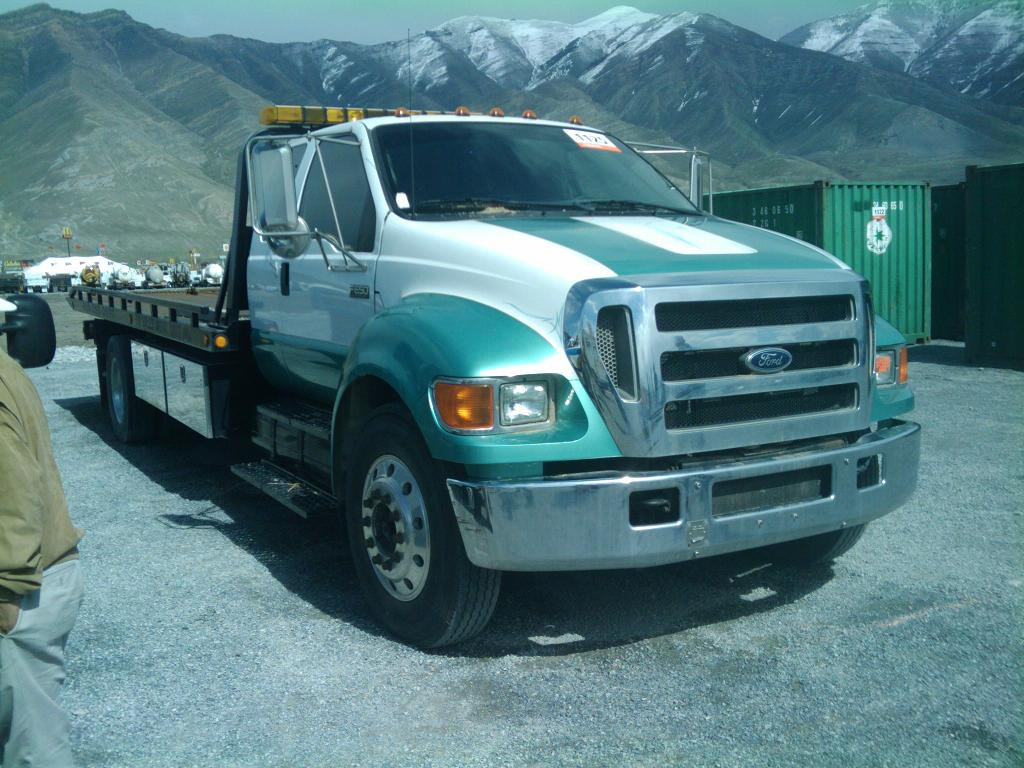 06 FORD F-650